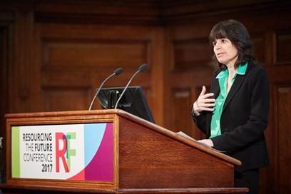 تحث  Baroness Parminter على احتياج المملكة المتحدة إلى استراتيجية واضحة في مجال كفاءة الموارد