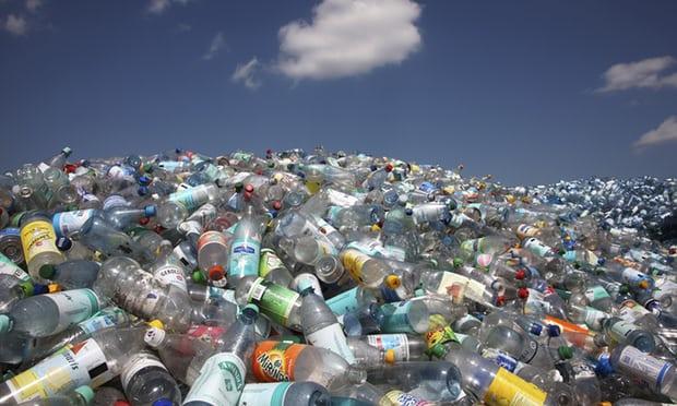 """اعرف المزيد عن معالجة أزمة """"الزجاجة البلاستكية"""" وعدم اكتراثنا للطبيعة"""