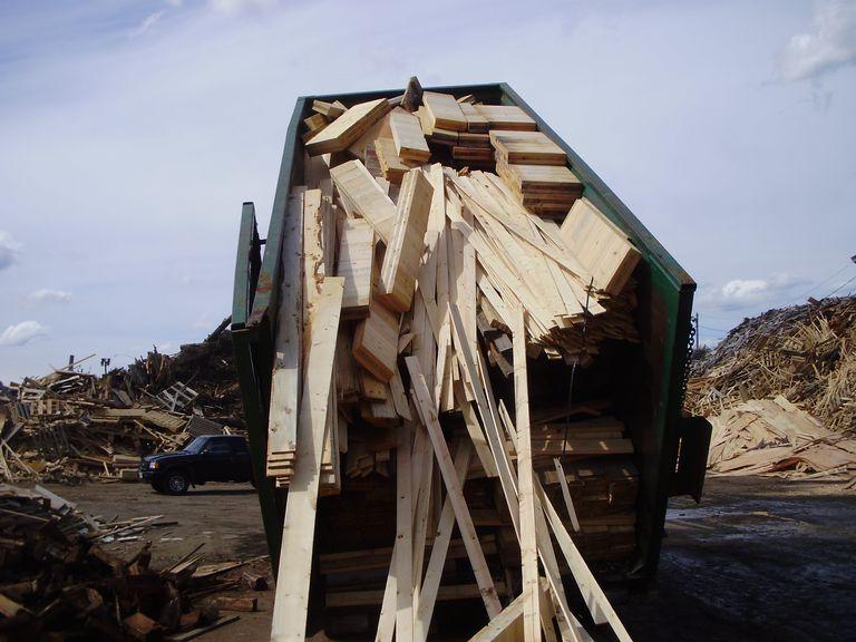 أهمية إعادة تدوير الأخشاب لسياسة البناء والهدم