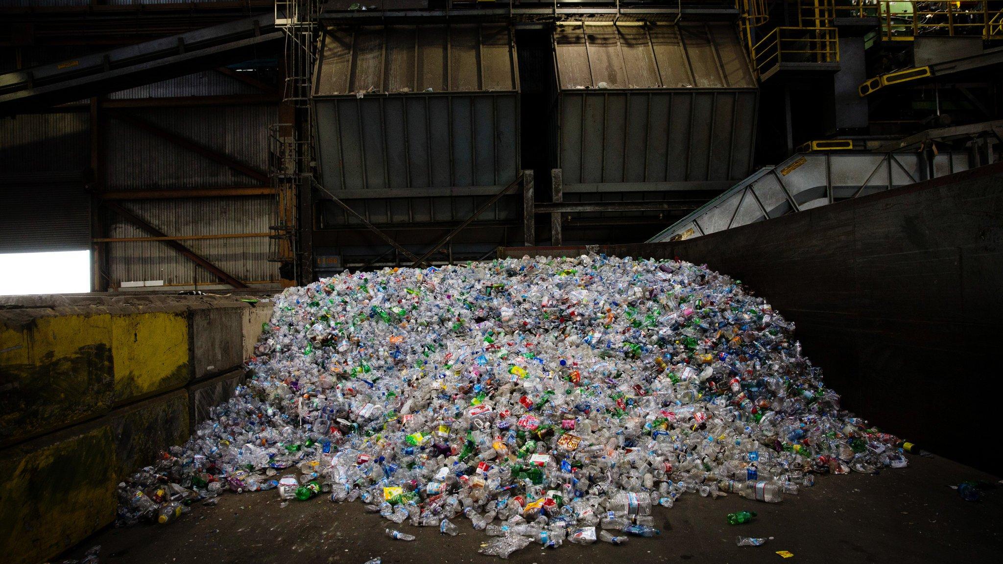 ثلاثة معوقات تواجه صناعة إعادة التدوير!!