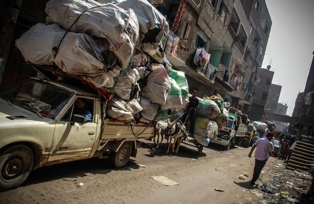 سكان القاهرة يجعلون من النفايات ثروة ثمينة