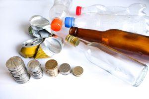 تتقاضي وول مارت ملايين للتخلص من زجاجات كالفورنيا