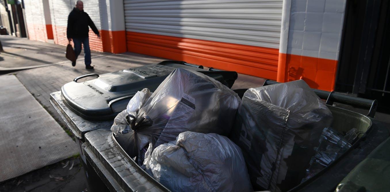 نحن بحاجة للتأكد من أننا لا نخلق مشاكل جديدة حين نقوم بحرق أكياس البلاستيك