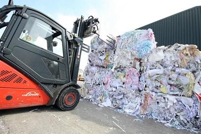 السلطة التنفيذية للصحة والسلامة (HSE) تنشر خطط لقطاع النفايات :