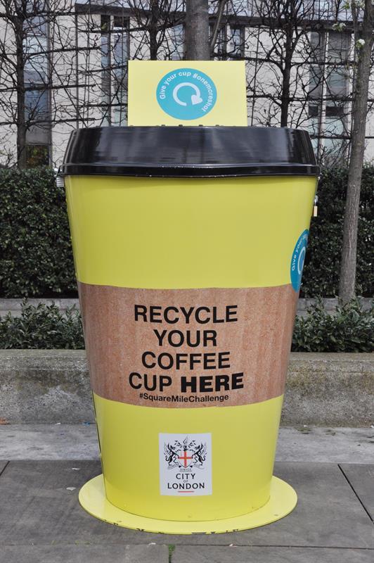 كشف أكبر نموذج لإعادة تدوير أكواب القهوة بالمملكة المتحدة