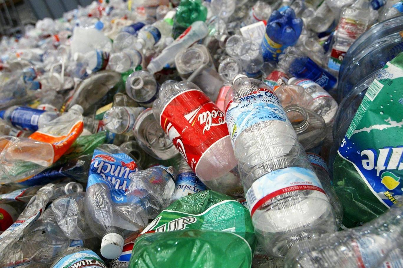 دفع مبالغ للبريطانيين من أجل إعادة التدوير تحت مشروع إعادة إيداع الزجاجات الحكومى الجديد.