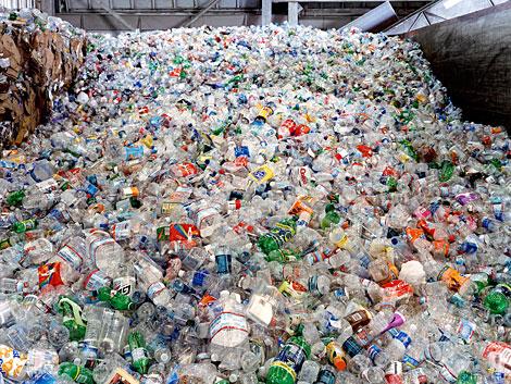 """صناعة إعادة تدوير البلاستيك """" عُسْرَة مواد الخام"""""""