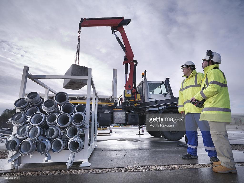 استثمارات بقيمة ملايين الجنيهات من قِبل شركات تدوير الحديد في المملكة المتحدة