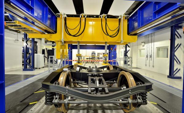 استخدام ألياف الكربون بعد تدويرها في مشروع قطارات السكك الحديدية.