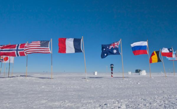 فيوليا تعيد تدوير النفايات بالقطب الجنوبي