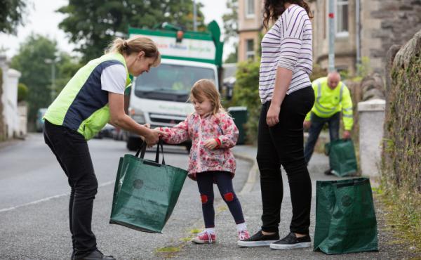 أسكتلندا: 2016 تشهد تحسّنًا في معدل إعادة تدوير مخلّفات المنازل.