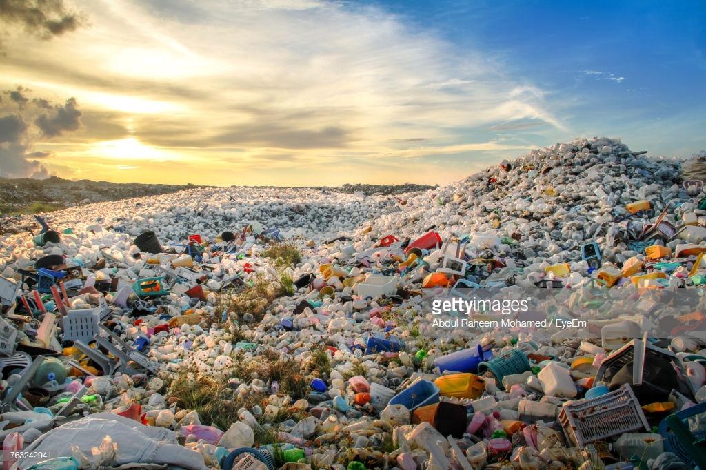 كيفية تحويل النفايات إلى بلاستيك؟