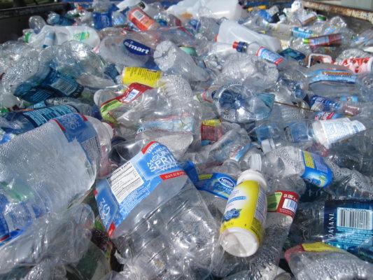 هل أصبح بإمكاننا صنع البلاستيك الحيوى من ثانى اكسيد الكربون والنفايات الزراعية؟