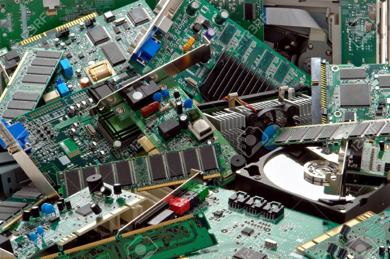 تحويل مخلفات الحاسب إلى أموال