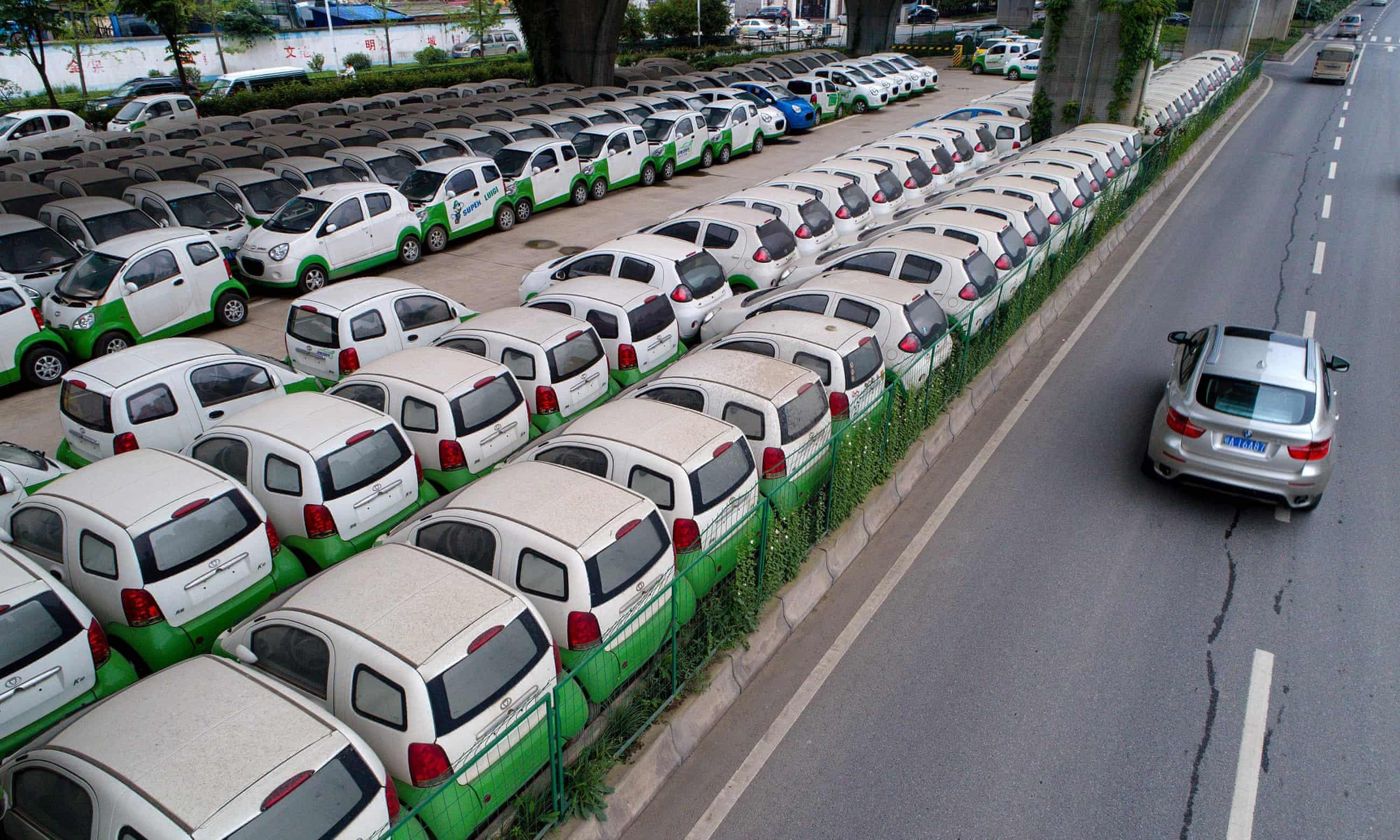 زيادة السيارات الكهربائية يمكن أن يسبب لنا مشكلة نفايات البطاريات