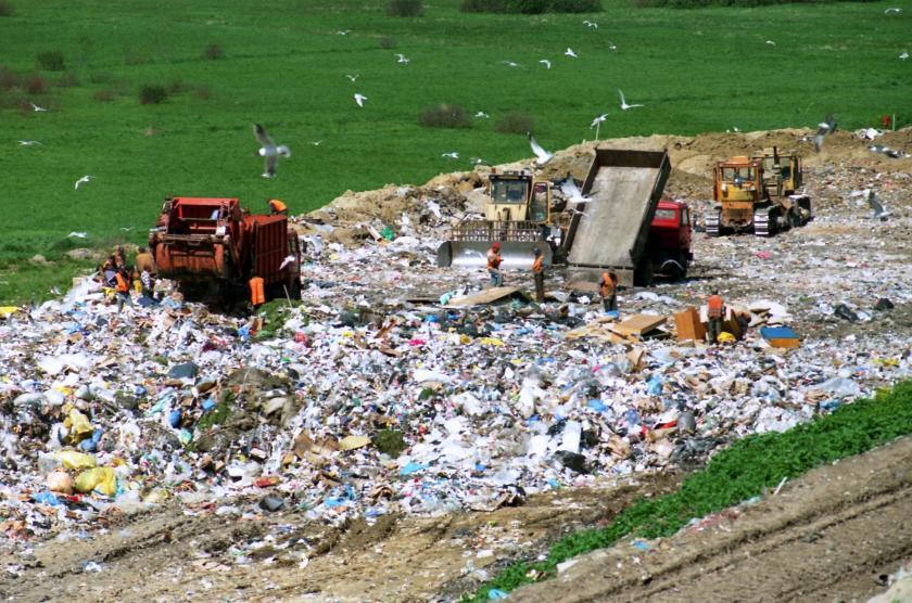 9 مواد بناء مصنوعة بالكامل من النفايات